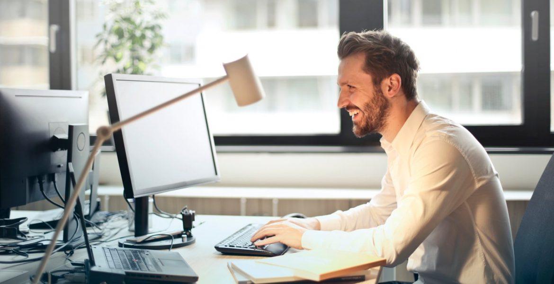 4 dicas para maximizar o valor do seu negócio online (Foto de Andrea Piacquadio no Pexels)